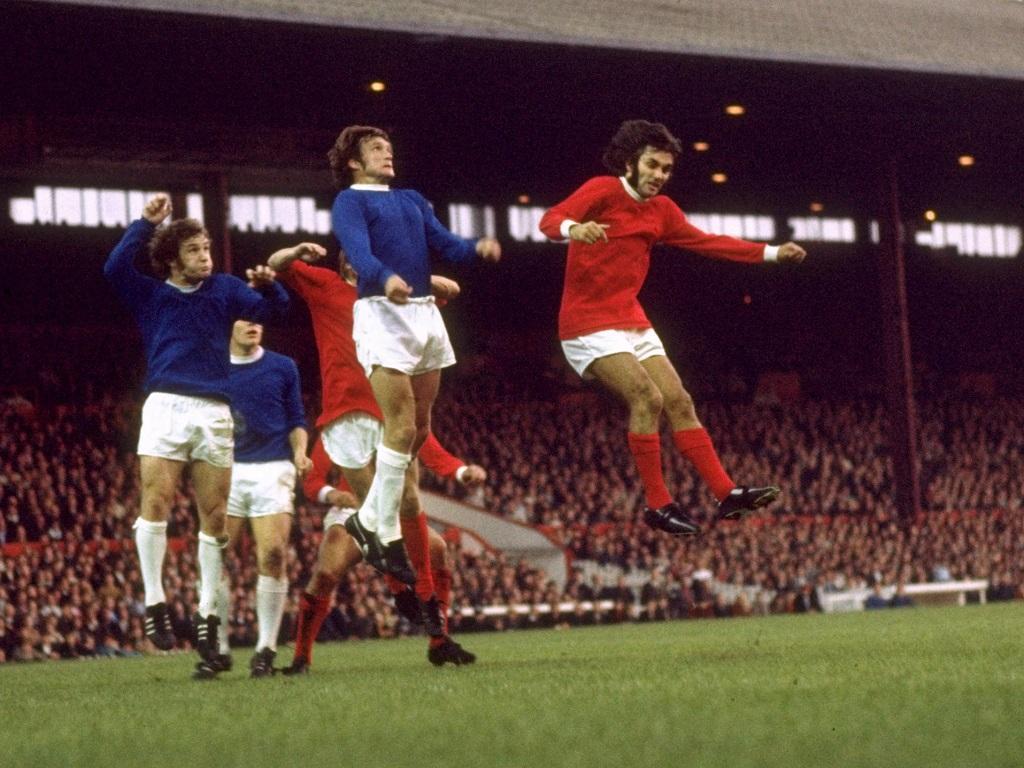 George Best (à droite) face à Everton en 1968
