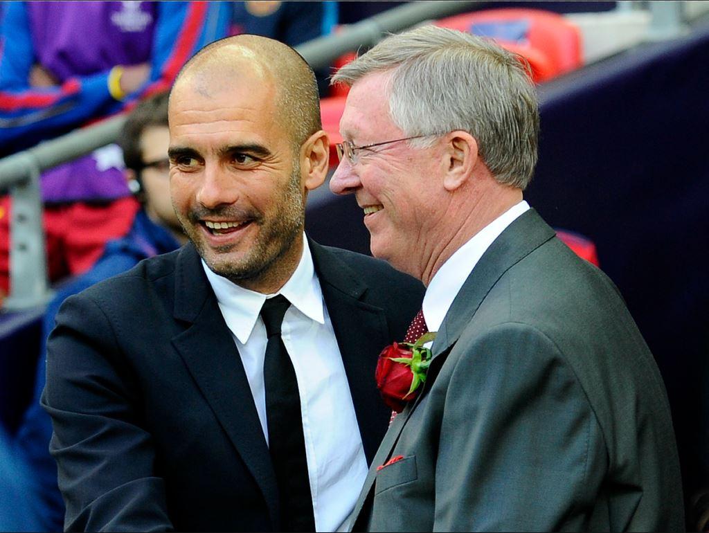 Pep Guardiola tout sourire avec Sir Alex Ferguson
