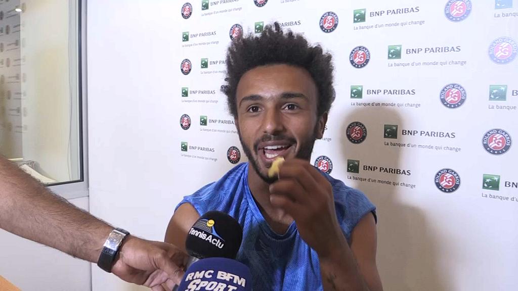 L'attitude déplacée d'un jeune tennisman français face à une journaliste
