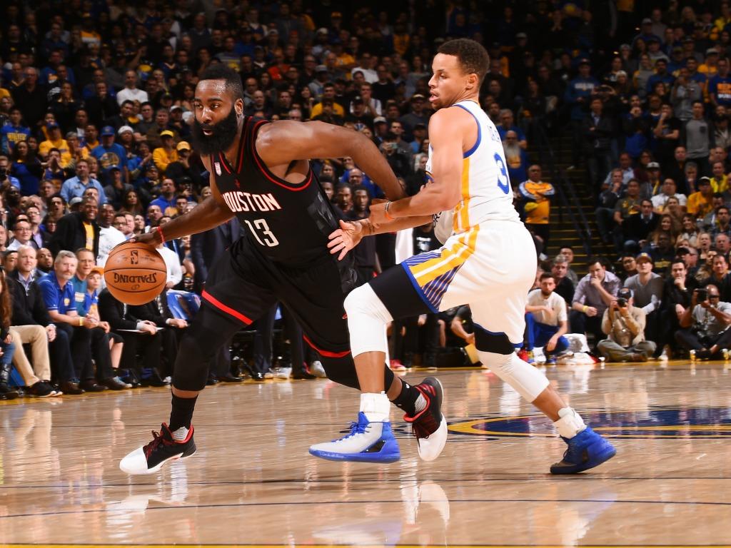 Cleveland Cavaliers et Golden State Warriors chutent — NBA