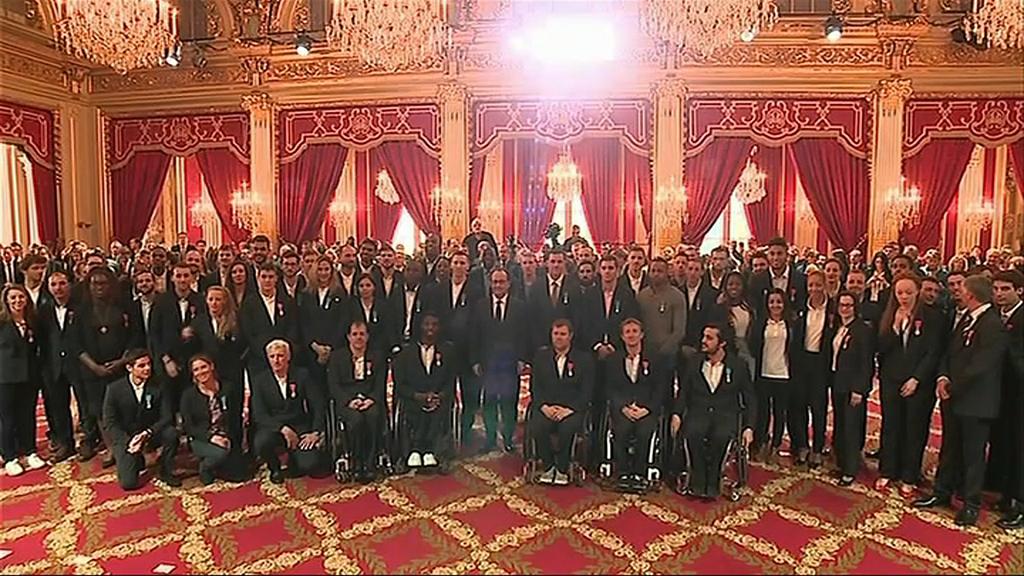 F.Hollande et les athlètes à l'Elysée