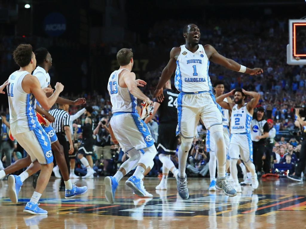 La joie des Tar Heels de North Carolina au coup de sifflet final
