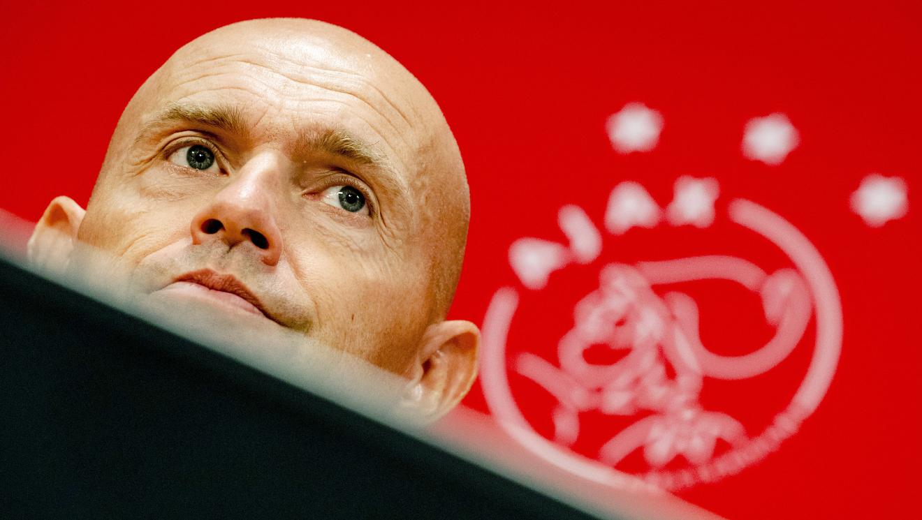Ajax : Keizer et Bergkamp mis à pied