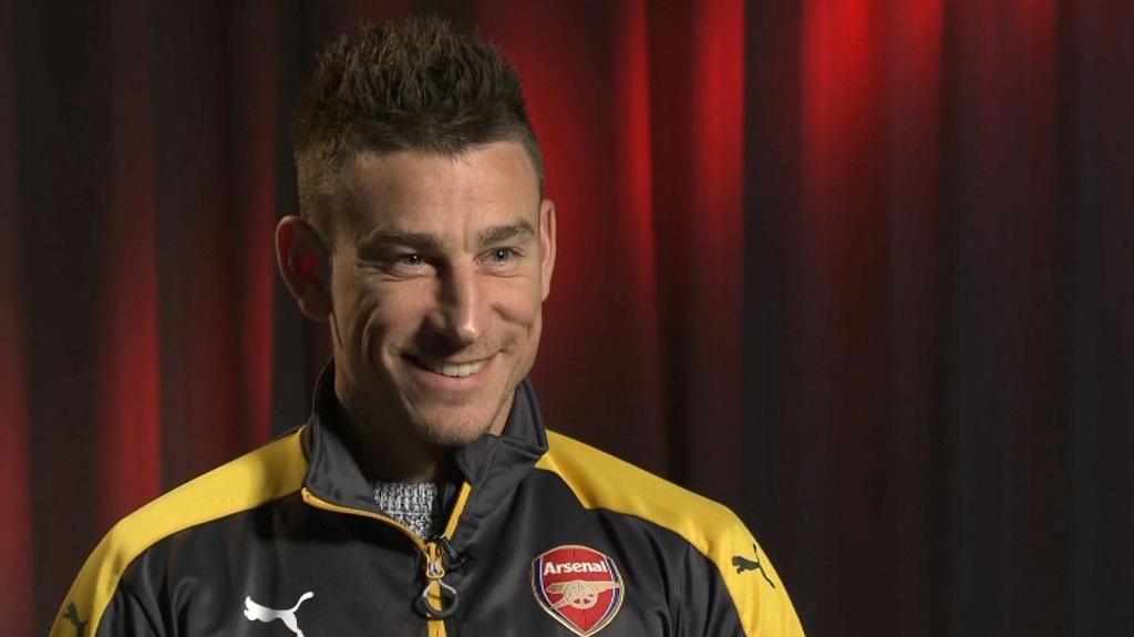 Ang. : Arsenal se fait plaisir et garde espoir !