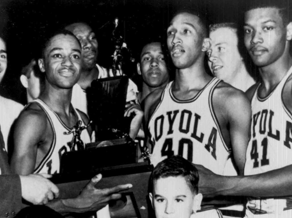 Les joueurs de Loyola-Chicago lors de leur sacre en 1963