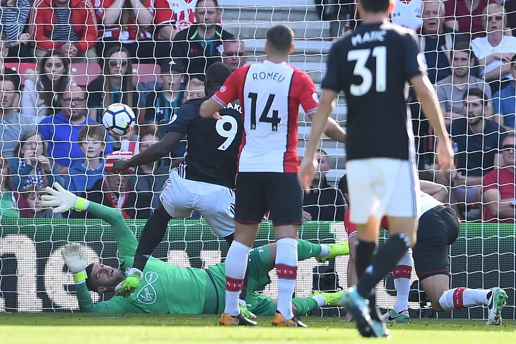 Le chant jugé raciste sur Lukaku à nouveau entonné — Manchester United