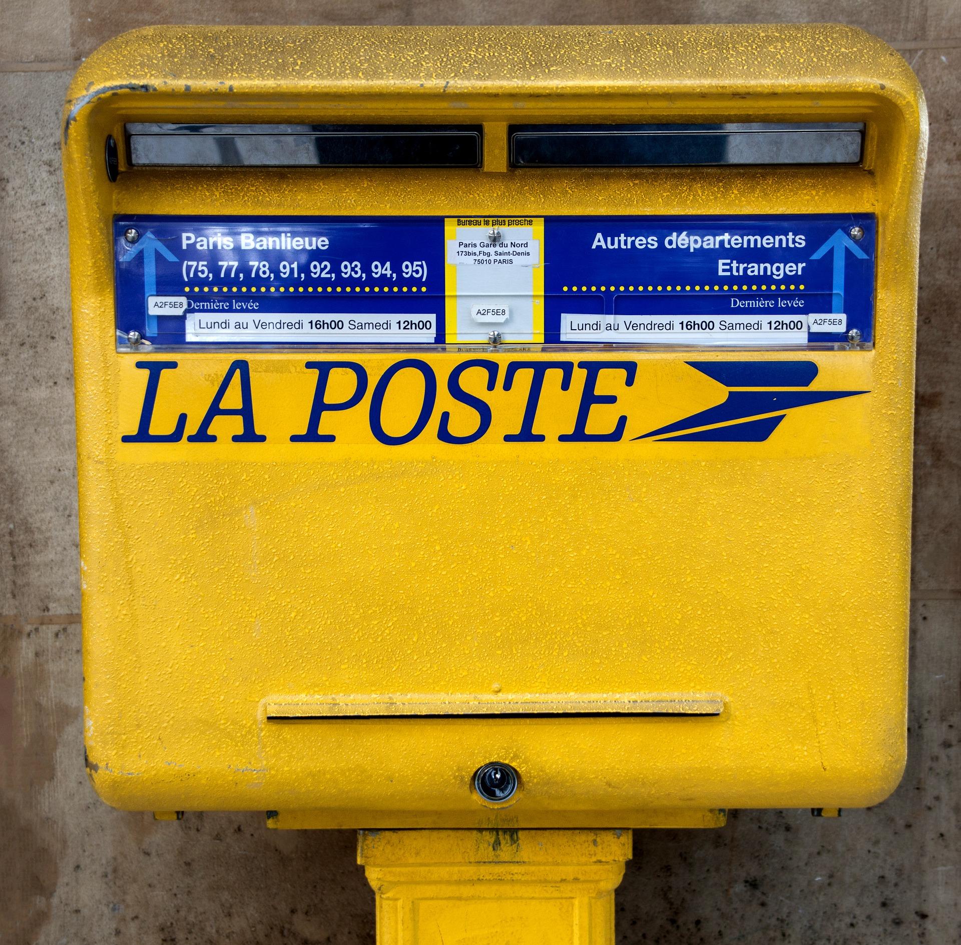 Scandale à la Poste: une vidéo montre un employé jetant des colis