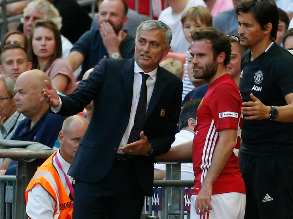 Ça se tend entre Mourinho et Mkhitaryan — Manchester United