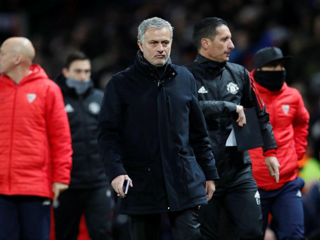 Mourinho repris de volée par de Boer après Séville — Man United