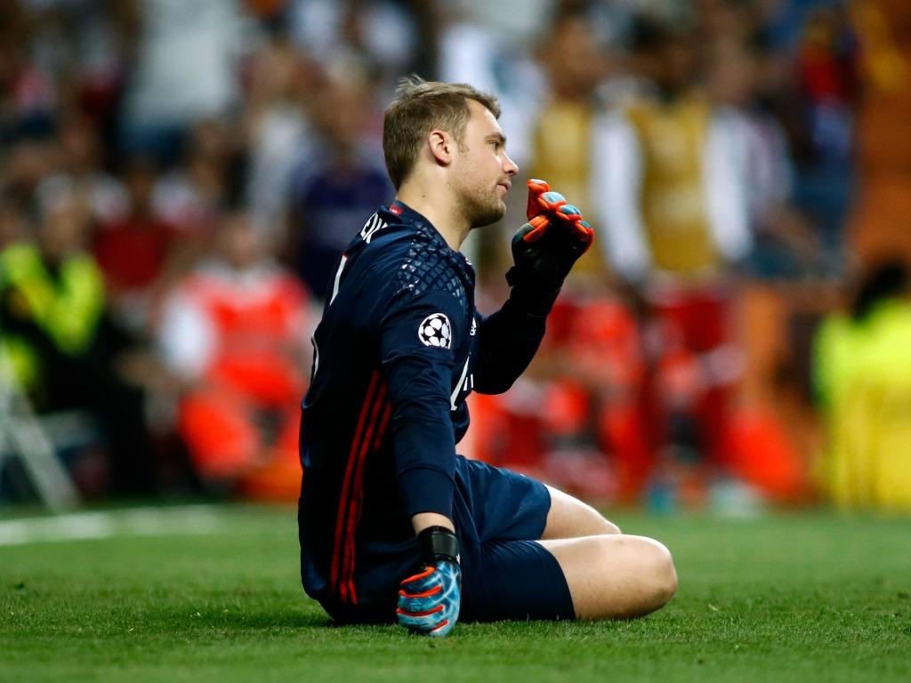 Manuel Neuer blessé et à nouveau absent plusieurs mois — Bayern