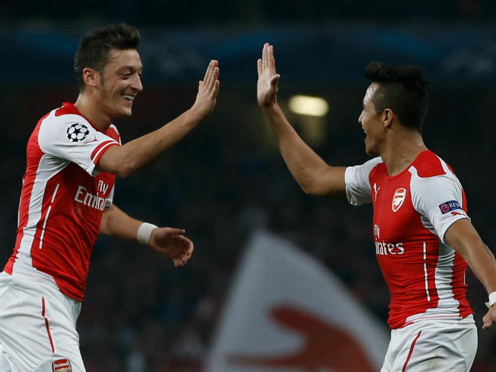 Arsenal va blinder les contrats de Sánchez et Özil