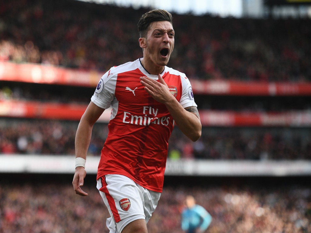 Wenger compare Özil à Bergkamp — Arsenal