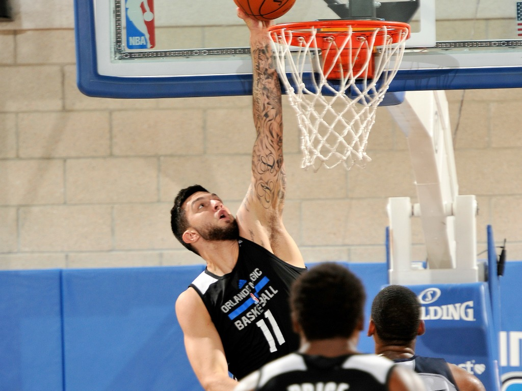 Vincent Poirier lors de la Summer League NBA avec le Orlando Magic
