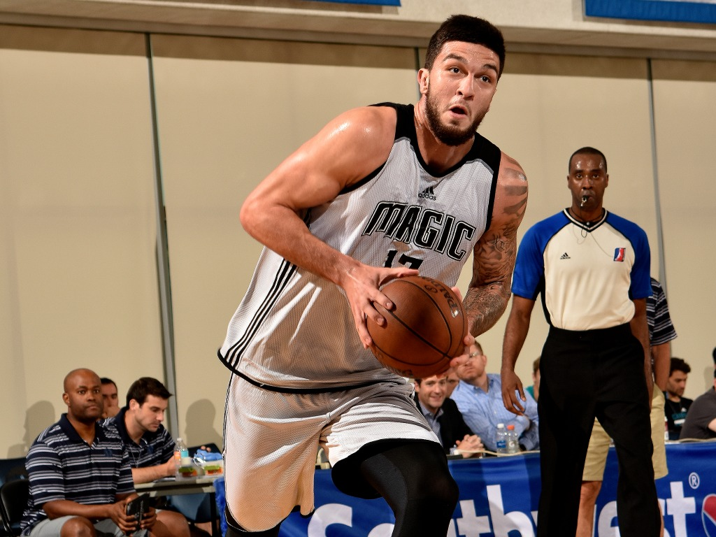 Vincent Poirier lors de sa Summer League NBA avec le Orlando Magic