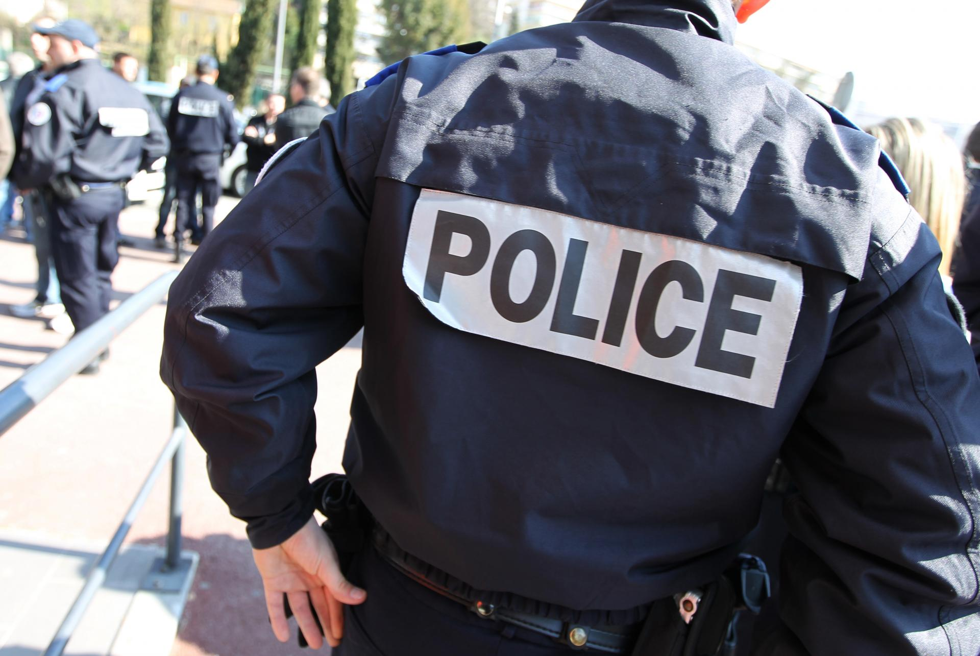 Un homme tire des policiers et se fait abattre — Var