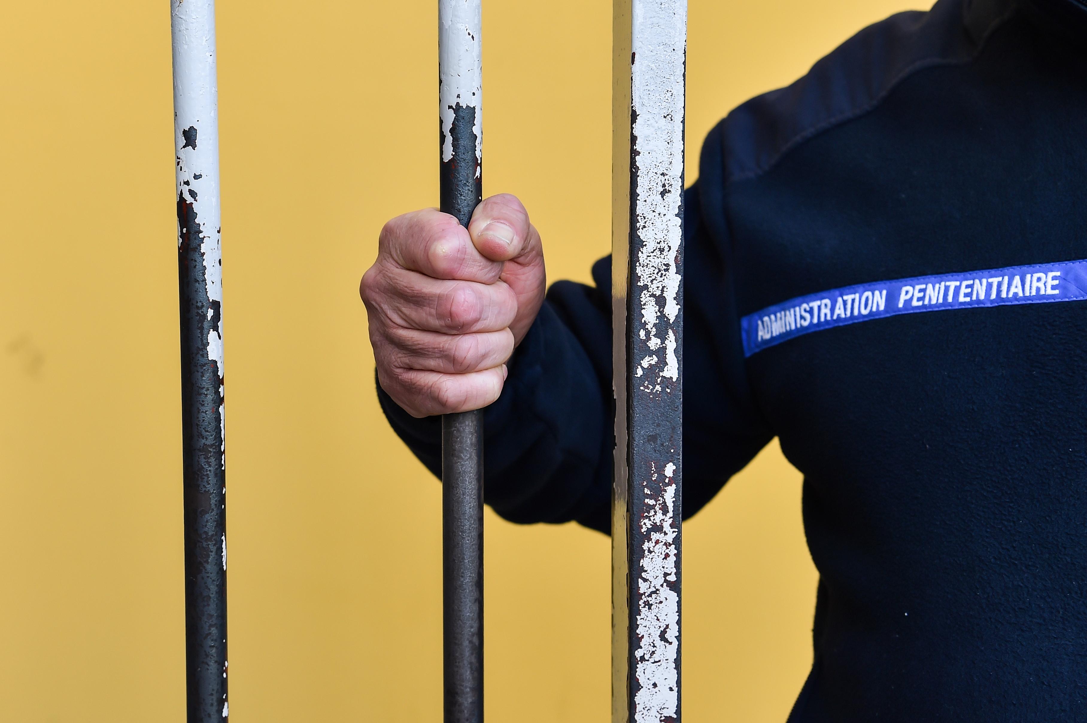 Des détenus ouvrent une cagnotte pour aider un surveillant dont la femme est décédée