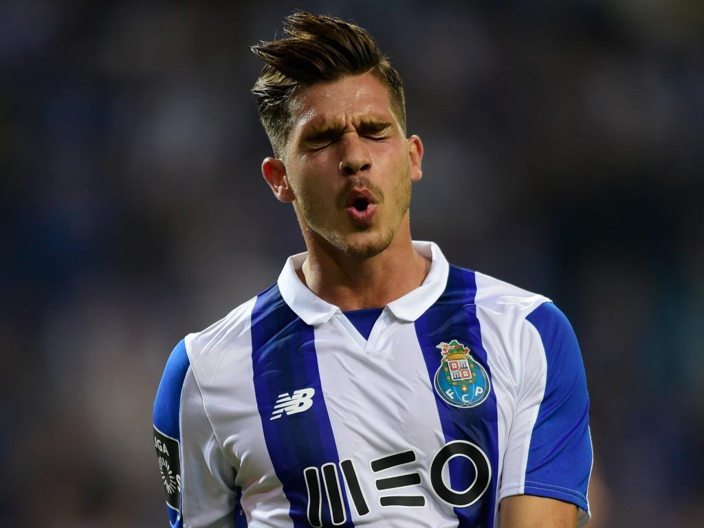 Suivi par l'OM, André Silva file au Milan AC — Mercato