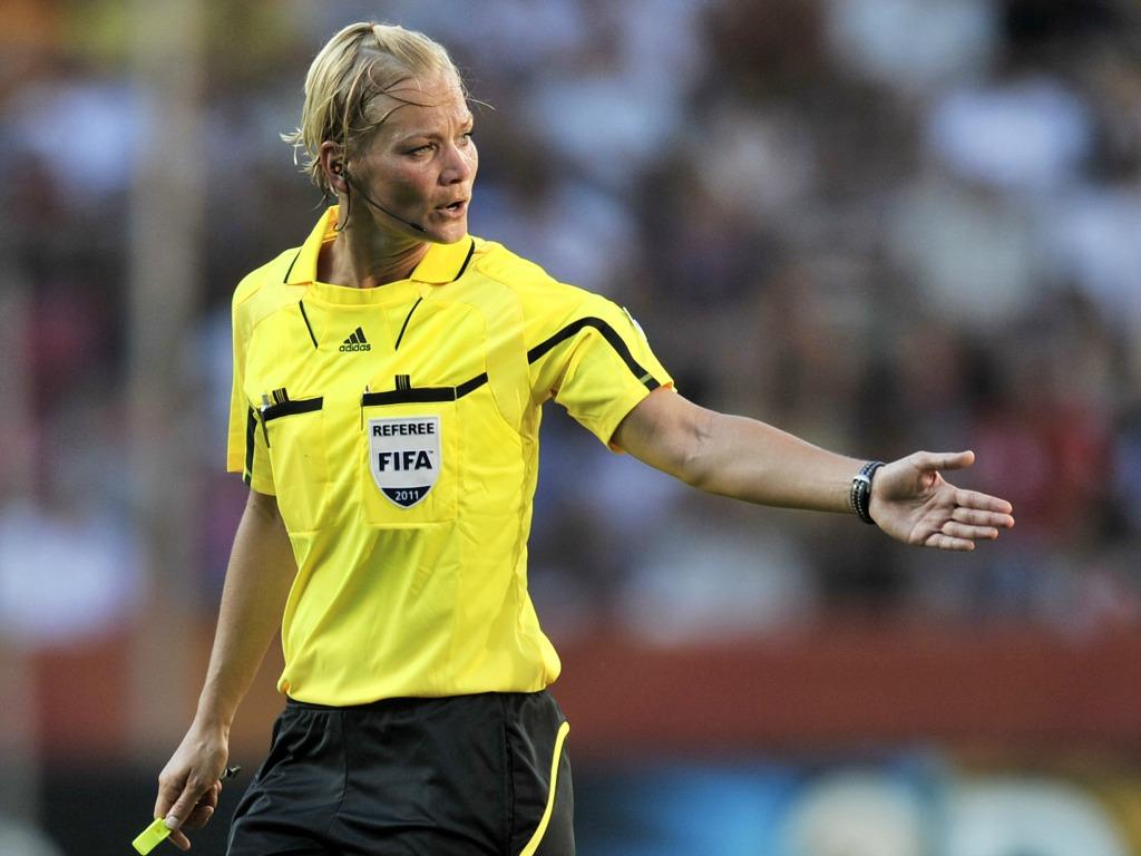 Historique ! Une femme au sifflet la saison prochaine en Bundesliga