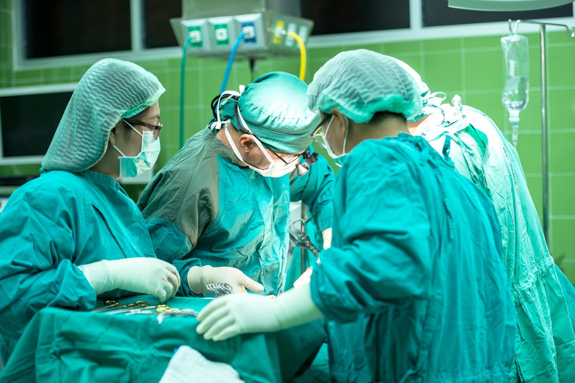 Un homme vit un calvaire après un pénoplastie — Ile-de-France