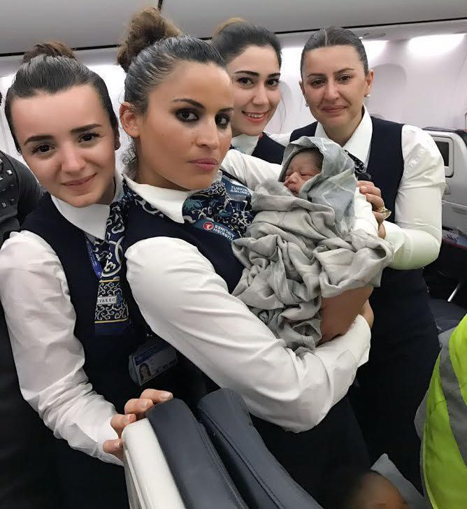 Un bébé prématuré naît sur un vol Turkish Airlines