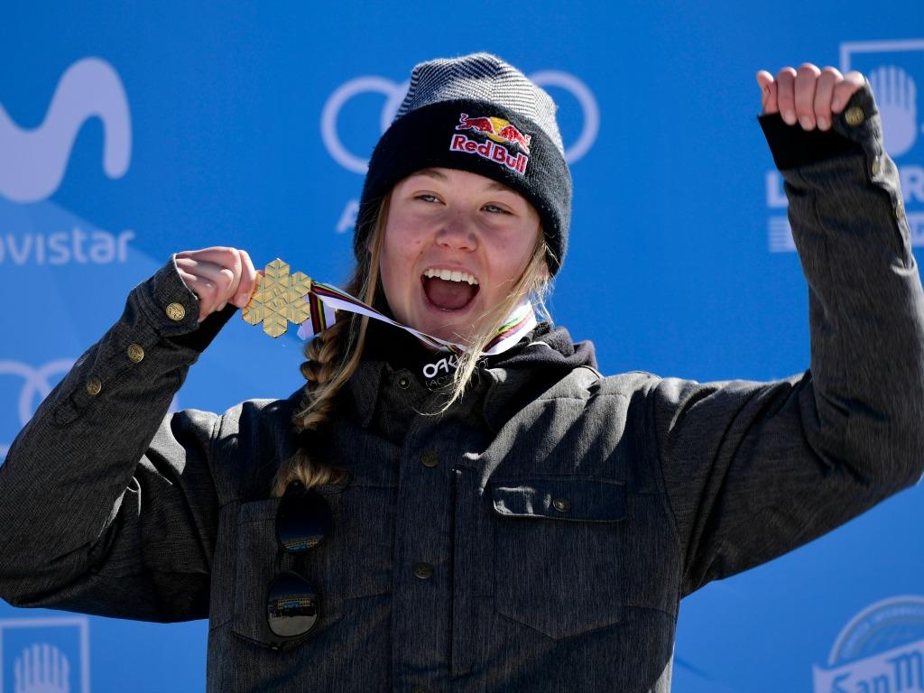 Tess Ledeux avec sa médaille d'or mondiale