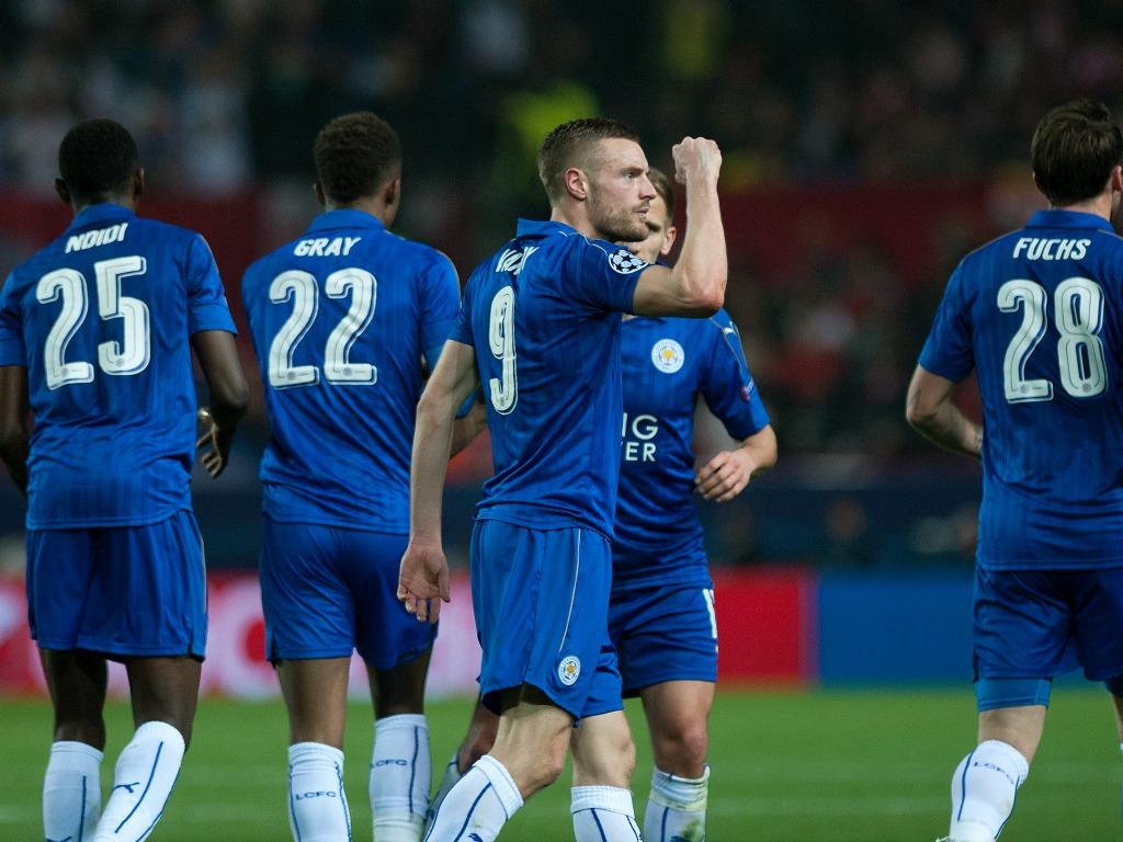 Leicester-FC Séville: Nasri expulsé après un tête contre tête avec Vardy