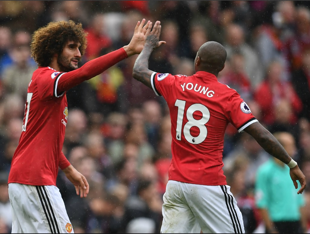 Manchester United seul leader provisoire de Premier League
