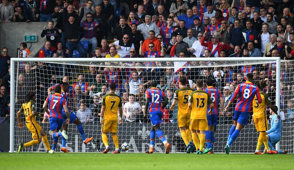 Burnley bat Leicester et se rapproche de l'Europe (2-1)